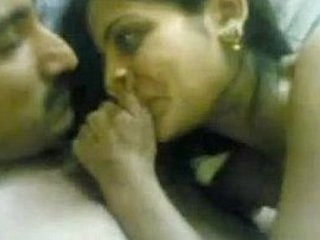 Pakistani cheating wife
