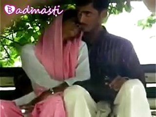 Desi Gf Showing Boobs Blowjob