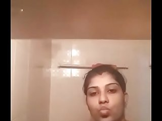 tamil busty bhabhi fingering her pussy