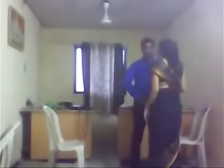Office aunty sex with colleague